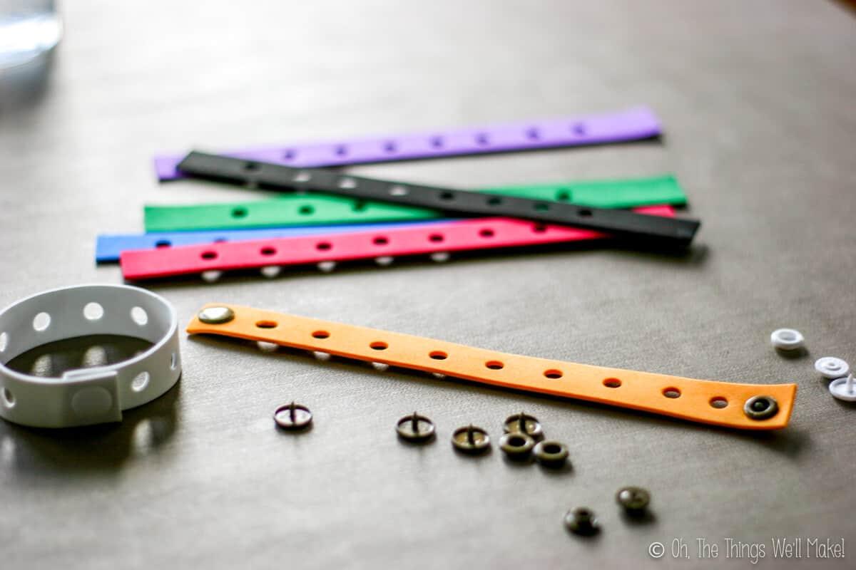 plastic snaps for fastening the bracelets shut