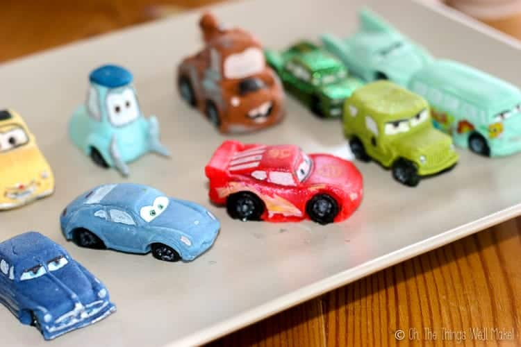 A rectangular plate covered with fondant Cars: Lightning McQueen and friends