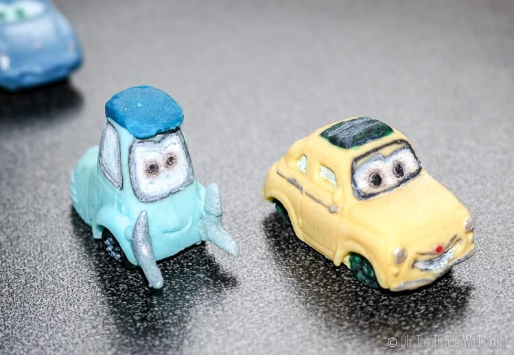 Closeup of 2 fondant cars: Luigi and Guido