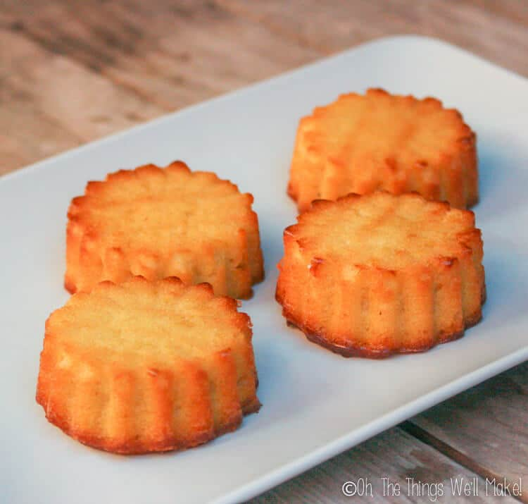The tarta de Santiago baked in silicone muffin molds to make mini cakes