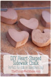 Making your own sidewalk chalk is a fun and easy project that kids will love. Learn how to make heart sidewalk chalk for Valentine's Day! It's a fun project for kids (or a cute Valentine's gift)! #thethingswellmake #miy #valentinesday #valentinesdaycrafts #valentinesdayideas #valentinesdayart #craftsforkids #kidsart #valentinesgifts #sidewalkchalk #sidewalkart #chalk #chalkart #homemadechalk