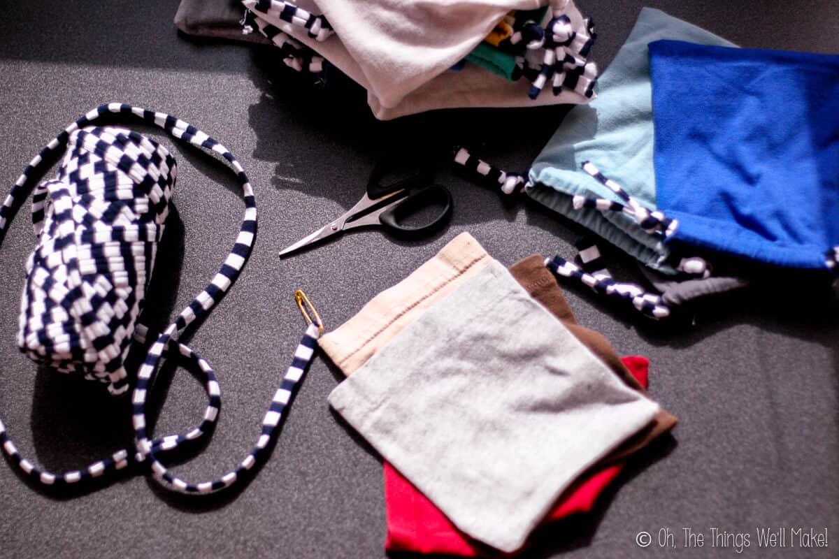 making cloth pouches from t-shirt sleeves