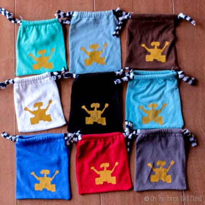 9 cloth pouches with Wall-E silk screened on them