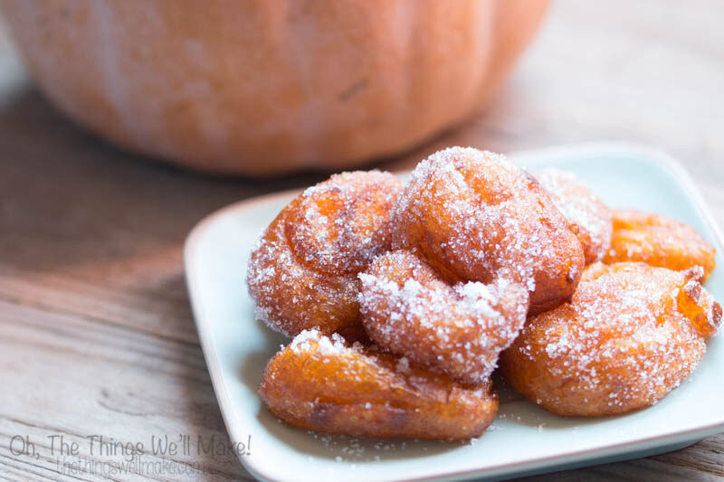 How to make grain free buñuelos de calabaza (grain free pumpkin fritters). These are very popular in the Valencia region of Spain.
