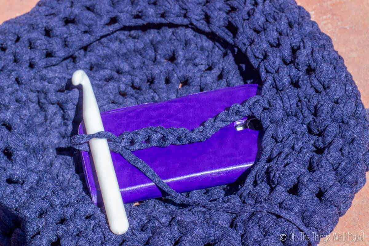 Photo of a crocheted bag showing how to make the handle