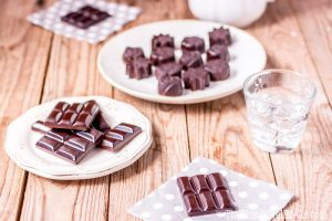 Easy Homemade Healthy Chocolate Bars (Vegan, Paleo)