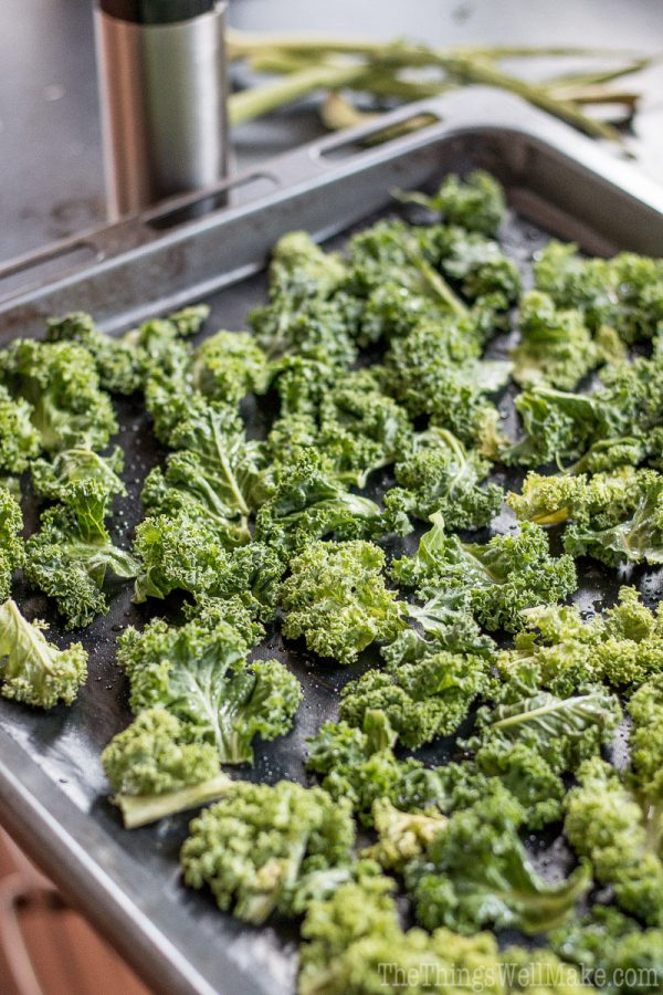 Making the best crispy kale chips is easy with this recipe that will help you quickly make a satisfying, healthy chip for those days you're craving something salty and crispy. The addition of gomasio adds a fun flavor kick with nutritious sesame seeds and seaweed.
