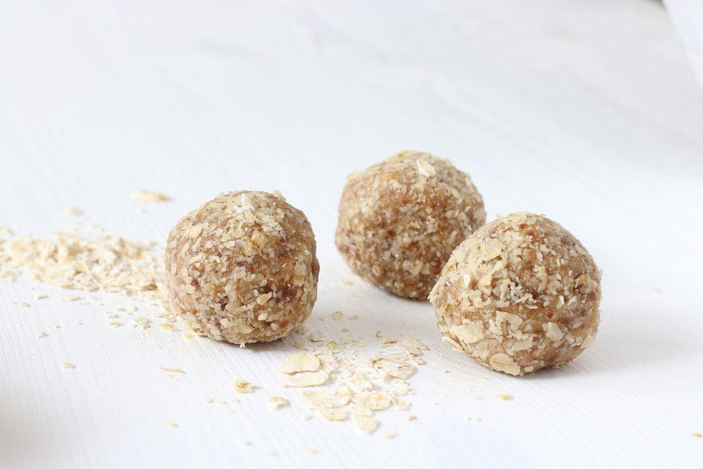3 oatmeal energy bites