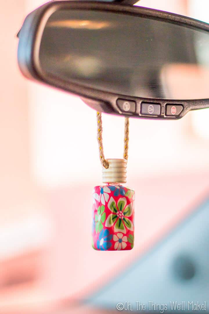 Keep your car smelling fresh with this easy, natural DIY car air freshener using the