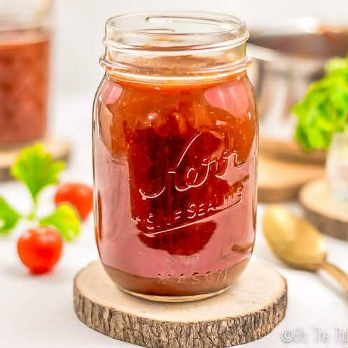 Quick and easy, this homemade barbecue sauce recipe allows you to whip up a delicious, healthy sauce without a lot of effort or added sugar. #barbecue #barbecuesauce #sauce #fromscratch
